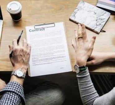 Договір купівлі-продажу житла: види, особливості, ризики, оцінка майна