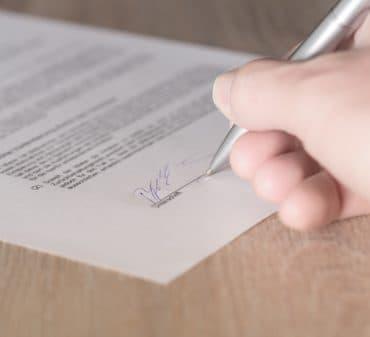 Договор дарения: что необходимо знать о дарственной